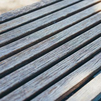 Terrasse en bois grisée